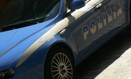 MESSINA – Furto d'auto, avevano già portato via una Fiat Punto parcheggiata sul viale Regina Elena e stavano armeggiando su una Lancia Y sul viale Europa