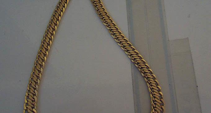 """BARCELLONA – Colf rubava gioielli in casa ed il marito li rivendeva ai """"Compro Oro"""", denunciati"""
