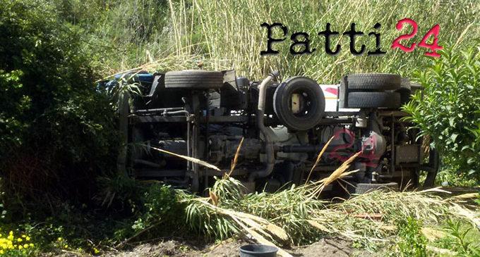 PATTI – Incidente mortale sull'A20,  autocisterna priva di controllo sfonda il guardrail e precipita nel giardino di un'abitazione