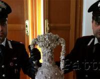 VULCANO – I Carabinieri recuperano e sequestrano circa una ventina di reperti archeologici