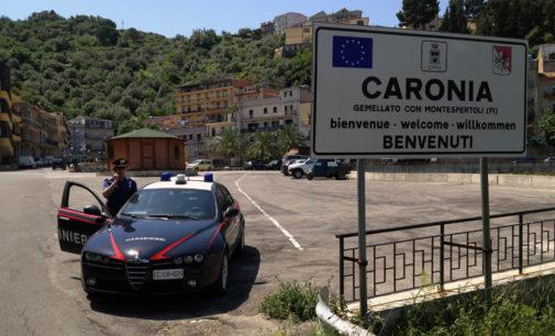 CARONIA – 38enne viola l'obbligo si soggiorno per andare alla processione in onore del Santo Patrono