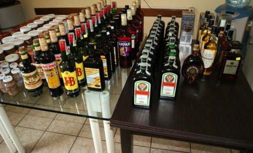 ROCCALUMERA – Razziano alcolici e alimenti per 4mila euro, agli arresti 4 giovani