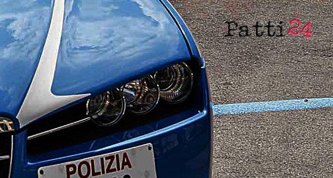 MESSINA – Rapinatore inseguito dalla Polizia lancia casco e cacciavite, poi inverte senso di marcia e finisce sul cofano della volante