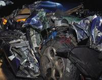 A20 – Grave incidente stradale tra Milazzo e Barcellona, Ford Focus si schianta contro autoarticolato fermo (le foto)
