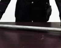 MESSINA – Colpisce con pesante mazza alla porta dell'ex convivente, arrestato per maltrattamenti aggravati