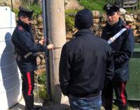 CARONIA – Si allacciava abusivamente attraverso un tombino elettrico, al palo dell' Enel. 58enne arrestato