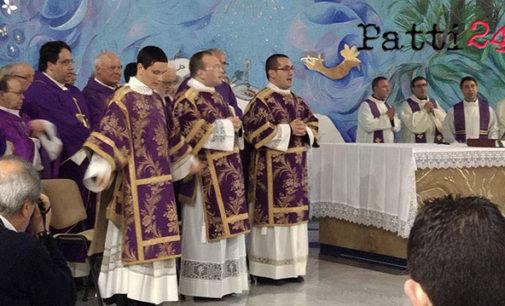 PATTI – Il vescovo monsignor Ignazio Zambito ha ordinato diaconi tre giovani del seminario pattese