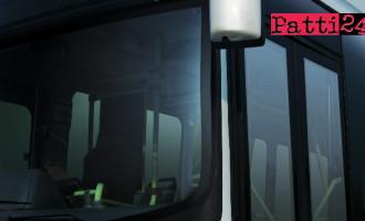 SANTO STEFANO DI CAMASTRA – L'autobus delle 6,05 non arriva, ad attenderlo una ventina di passeggeri. Da ieri era stato soppresso