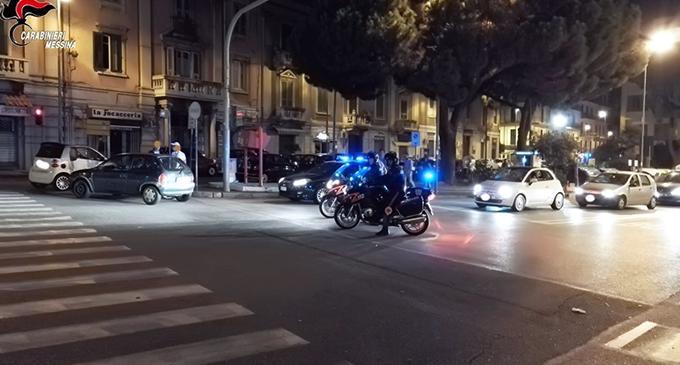 MESSINA – 23enne marocchino scatena il panico in via Garibaldi. Lancio di bottiglie di vetro e pugni. Arrestato