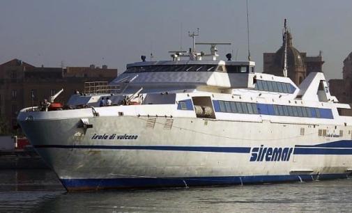 """MILAZZO – Maltempo. Le navi veloci """"Isola di Stromboli"""" e """"Isola di Vulcano"""" costrette a fermarsi a Lipari"""