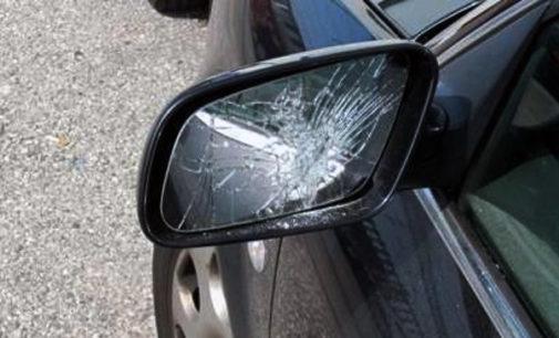 """LETOJANNI – """"Truffa dello specchietto"""". Hanno simulato danneggiamento alla fiancata dell'auto. 2 arresti"""