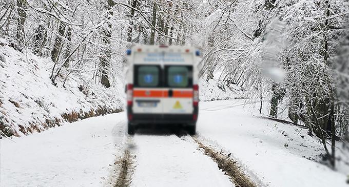 RACCUJA – Neve. Durante la notte equipaggio del 118 rimane bloccato in ambulanza per 3 ore
