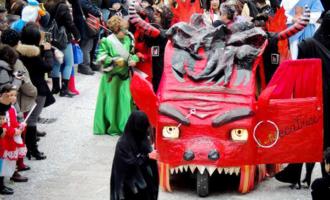 """SANTA LUCIA DEL MELA – Carnevale storico luciese. L'unico Carnevale siciliano in motoape e con rievocazione storica """"U Catalettu"""""""