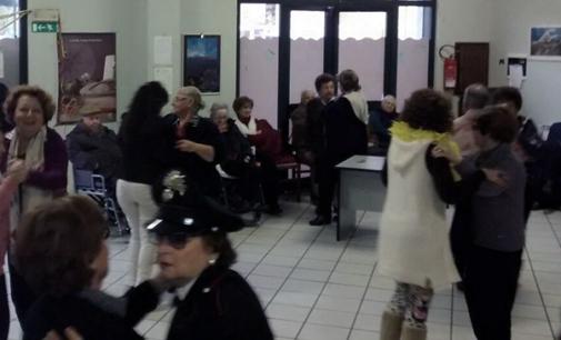 CAPO D'ORLANDO – Successo per la festa di Carnevale al Centro Anziani