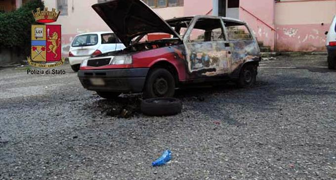 MESSINA – Irrefrenabile violenza. La Polizia di Stato arresta marito violento e piromane.