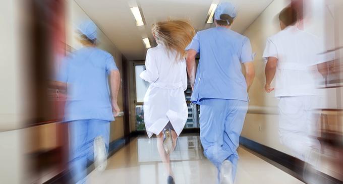 """MILAZZO – Ospedale. Infermiere obbligato a lavorare per 17 ore consecutive """"si sente male durante il servizio e finisce al Pronto Soccorso"""""""