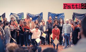 """PATTI – """"Teatro Sociale Inclusivo Itinerante"""". Grande successo per """"Mary Poppins … tutti insieme!"""" in scena a Capo D'Orlando"""