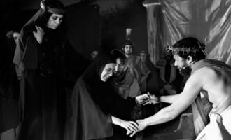 """FURNARI – Rappresentata a Tonnarella la """"Passione di Cristo"""" nel """"Gesù di Nazaret"""" diretto da Franco Apicella"""