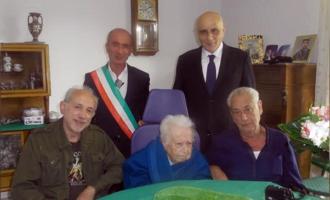 MILAZZO – Il sindaco omaggia i 100 anni di Giuseppa Corso