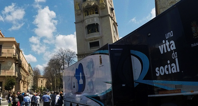MESSINA – Giovedì in piazza Duomo il truck della Polizia di Stato. Informazioni sulla sicurezza online a studenti, genitori e insegnanti