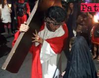 PATTI – Oggi Via Crucis Vivente e venerdì processione delle Varette. Disposizioni per il transito e la sosta nelle zone interessate.