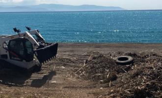 MILAZZO – Iniziata la pulizia straordinaria delle spiagge. Ad eseguirla la ditta Loveral di Patti