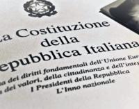 UCRIA – Un esemplare della Costituzione della Repubblica Italiana agli studenti ucriesi