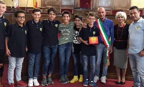 MILAZZO – Il sindaco Formica premia i ragazzi della Folgore, campione italiani di calcio Under 12