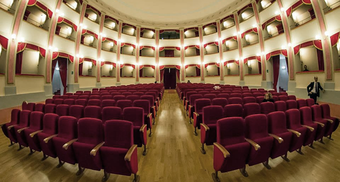 """MILAZZO – """"Attaccati alla poltrona"""", associazioni in scena per raccogliere fondi per il teatro Trifiletti"""