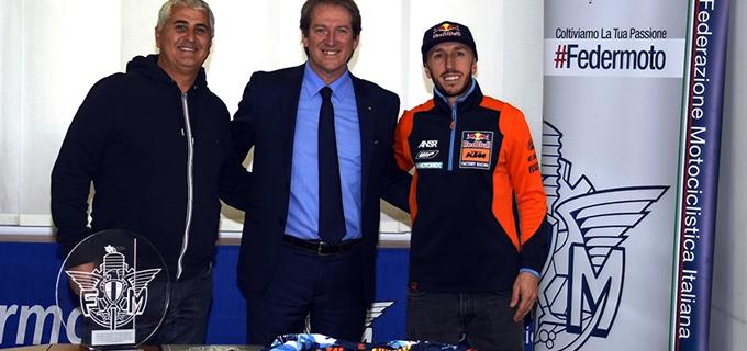 PATTI – Riconoscimento della Federazione Motociclistica Italiana al pilota pattese Tony Cairoli.