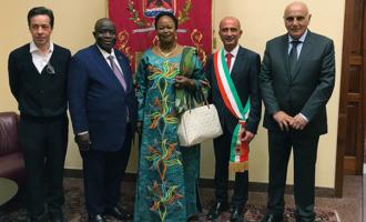 MILAZZO – Visita dell'ambasciatore del Congo al Comune di Milazzo