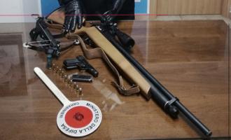 FURCI SICULO –  63enne arrestato per detenzione abusiva di armi