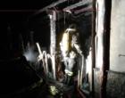 SANTA TERESA RIVA – Nella notte in fiamme un'abitazione. Coinvolte nell'incendio anche diverse auto