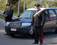 CARONIA – Fabbricazione di armi, detenzione abusiva di munizioni, gestione e combustione illecita di rifiuti. Arrestato 73enne