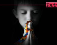 SAN PIERO PATTI – Giornata Mondiale dell'Autismo. Il campanile della chiesa di Santa Maria Assunta si illumina di blu.