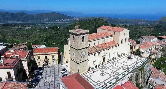 """CASTROREALE – """"Borgo dei Borghi"""" 2018, Castroreale: uno dei borghi più belli d'Italia in gara per il titolo"""