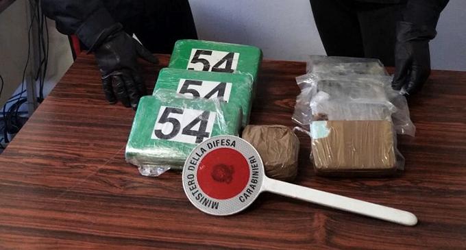 MESSINA – 28enne incensurato trasportava 6 kg di droga tra cocaina ed eroina. Arrestato corriere della droga