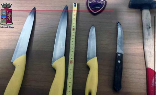 MESSINA – Fermata perchè suonava insistentemente il clacson, minaccia con un martello e un coltello agenti in servizio. Arrestata 37enne messinese