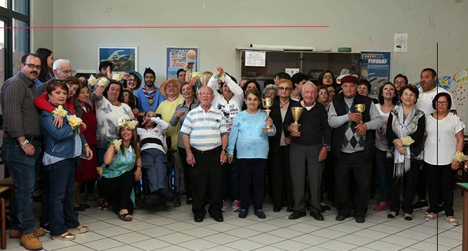 """CAPO D'ORLANDO – """"Festival di Primavera"""" al Centro Anziani. Premiati i più bravi in canto, ballo, sfilata e torneo di carte"""