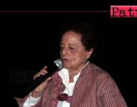 """PATTI – La scrittrice Lia Levi ha incontrato al cine-teatro """"Beniamino Joppolo"""" gli studenti del """"Borghese-Faranda""""."""