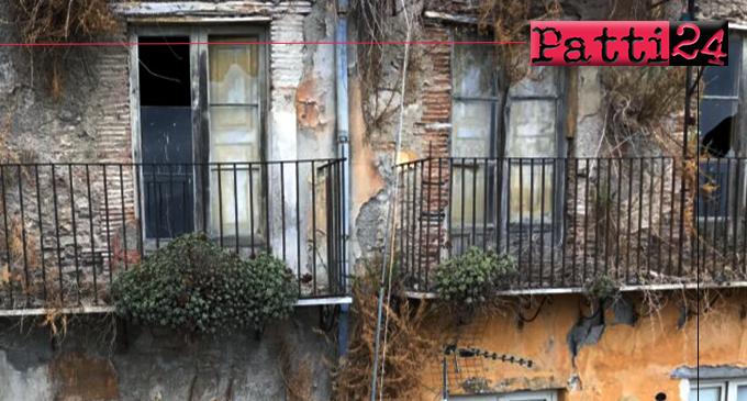 PATTI – Edifici pericolanti e area a verde in stato di abbandono nel centro storico. Tripoli scrive e spera in un immediato intervento