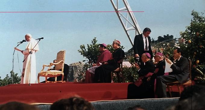 PATTI – 30° anniversario della visita al Santuario del Tindari di Papa Giovanni Paolo II. Era la mattina del 12 giugno 1988 quando il Santo Padre fu accolto a Locanda