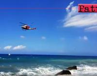 PATTI – Disavventura a lieto fine per due turisti australiani spinti dai marosi contro le rocce a Mongiove