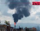 MILAZZO – Il disservizio alla Raffineria. Prima una fiamma molto alta e poi una colonna di fumo nero visibile da tutta la fascia tirrenica