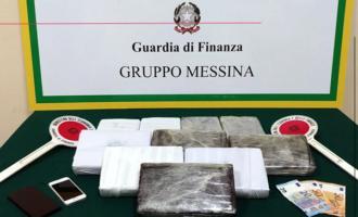 MESSINA – Grazie il fiuto del cane Dandy nuovo sequestro di oltre 11 Kg di cocaina agli imbarcaderi dei traghetti. Un arresto