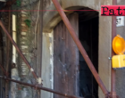 PATTI – Nei ruderi pericolanti si è formata una vera e propria discarica. In via Roma un altro emblema di incuria e disinteresse !