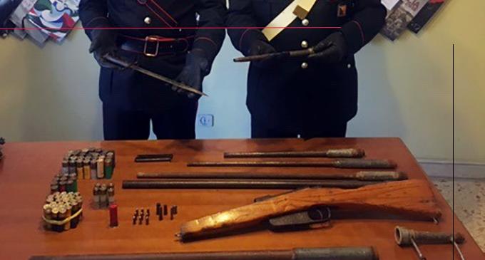 CARONIA – Detenzione e fabbricazione di armi. Arrestato 52enne