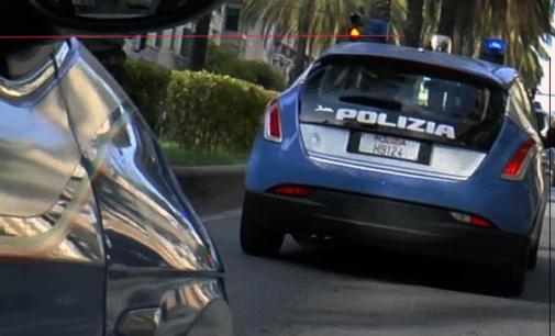 MESSINA – Rapina anziana appena uscita di casa, sbattendola contro un cancello. Arrestato 40enne