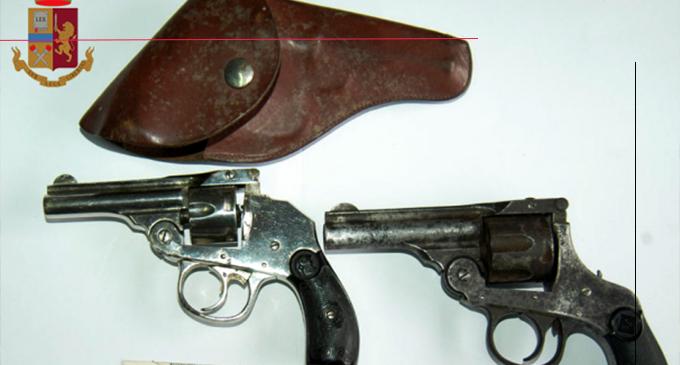BARCELLONA P.G. – Agenti della Polizia di Stato hanno rinvenuto e sequestrato 2 revolver e piante di canapa