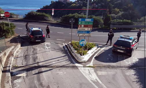 TAORMINA – Rubano un motociclo caricandolo su un furgone. Due arresti